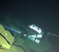 deep diving caves-G0012370