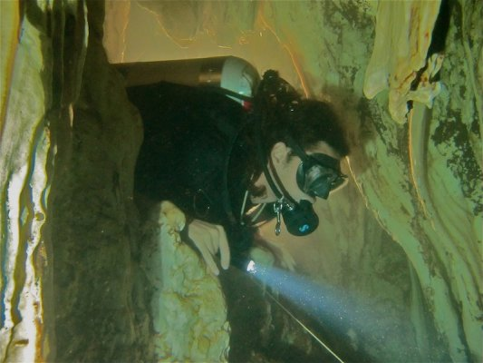 cave_wreck_ccr_diver_technical_diving_courses_thailand-253-jpg