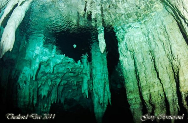 caves-thailand-diving