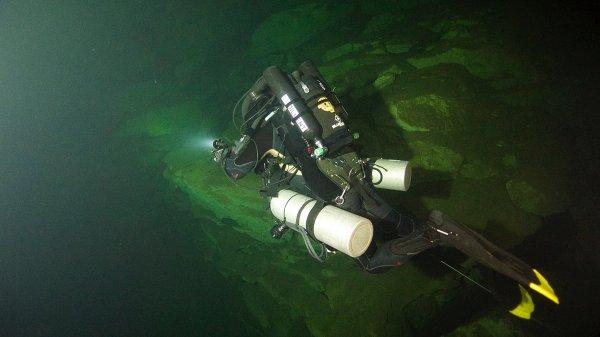 Megalodon CCR Cave Diver