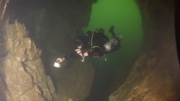 Entrance cave khao sok