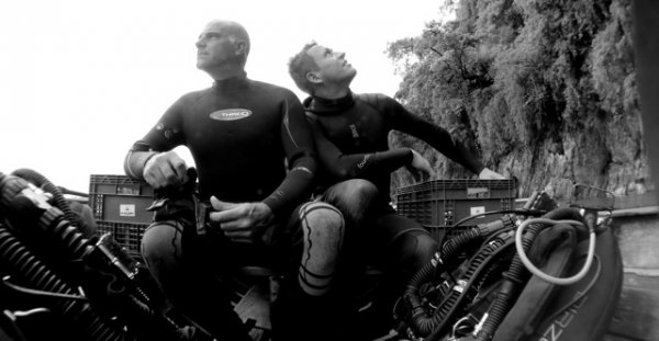 Jan and Jeff cave diving