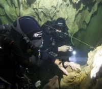 ccr cave divers on JJ