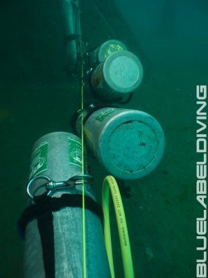 Wreck diving equipment