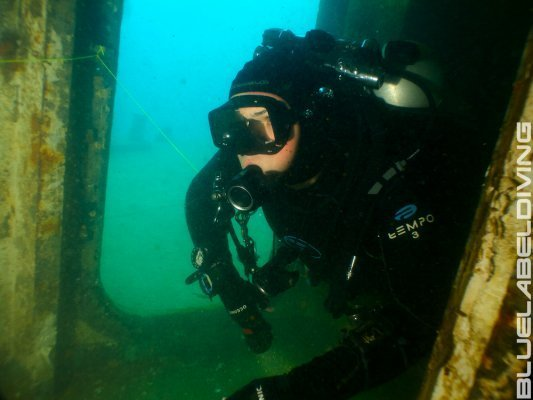 wreck diving inside Thai wreck
