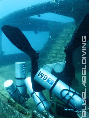 advanced wreck diver skills stage tanks