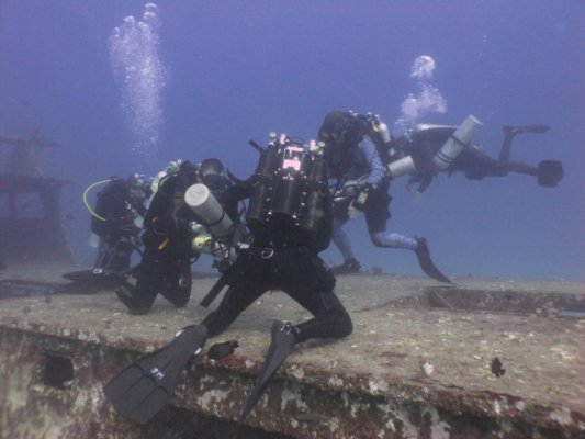 Wreck diving penetration