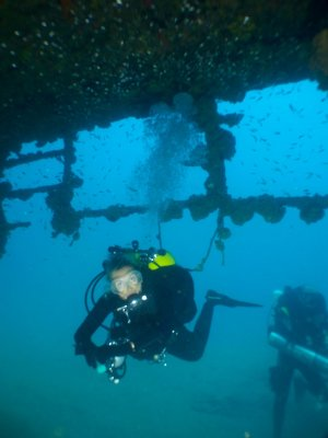 wreck diver twinset in sri lanka diving